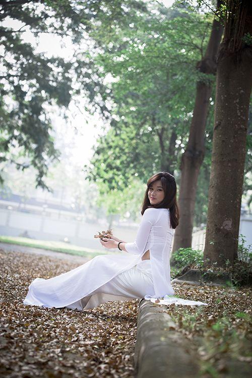 Hot girl Hoàng Yến Chibi đẹp tinh khôi trong tà áo dài - Ảnh 12