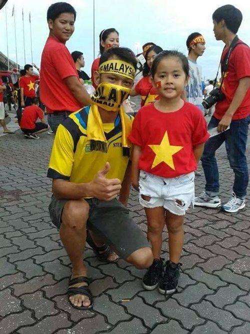 Người hâm mộ Malaysia đăng ảnh xin lỗi CĐV Việt Nam - Ảnh 11