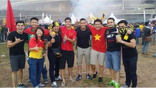 Người hâm mộ Malaysia đăng ảnh xin lỗi CĐV Việt Nam - Ảnh 6