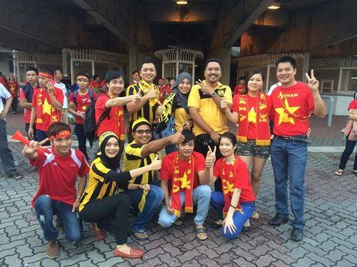 Người hâm mộ Malaysia đăng ảnh xin lỗi CĐV Việt Nam - Ảnh 9