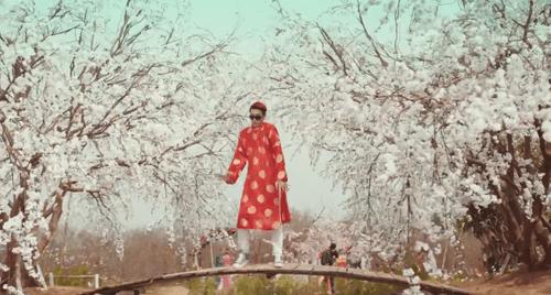 """Video: MV """"Tết đến xuân Về"""" của Vanh LEG gây sốt mạng - Ảnh 3"""