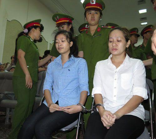 Mỗi bảo mẫu hành hạ trẻ dã man lĩnh án 3 năm tù  - Ảnh 1