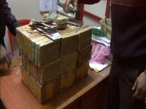 Bắt giữ vụ vận chuyển 92 bánh heroin từ Lào về Việt Nam - Ảnh 1