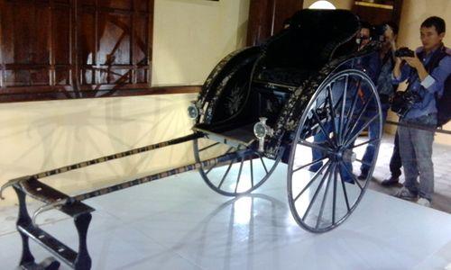 Trưng bày chiếc xe kéo tay của Hoàng thái hậu Từ Minh sau 108 năm lưu lạc - Ảnh 1