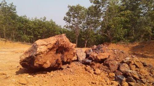 Lao động Trung Quốc vào Thừa Thiên - Huế đào núi khai thác quặng  - Ảnh 2