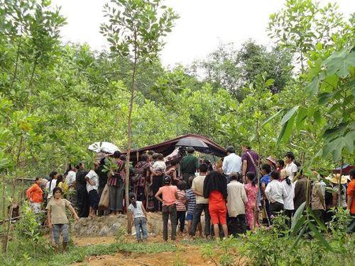 Kỳ bí lễ bỏ mả của đồng bào dân tộc Ka Tu ở miền Tây xứ Huế - Ảnh 11