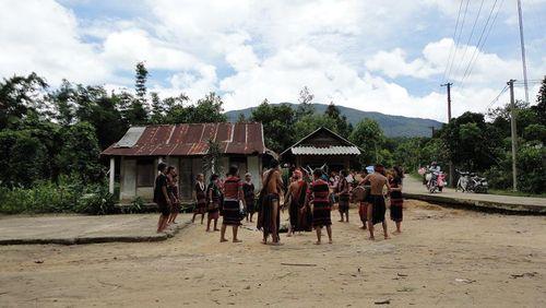 Kỳ bí lễ bỏ mả của đồng bào dân tộc Ka Tu ở miền Tây xứ Huế - Ảnh 3