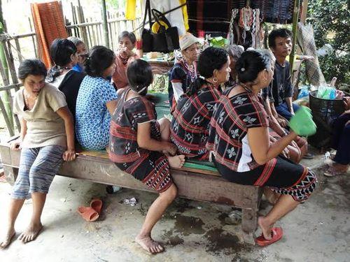Kỳ bí lễ bỏ mả của đồng bào dân tộc Ka Tu ở miền Tây xứ Huế - Ảnh 6