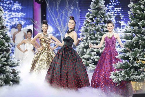 Hoa khôi Áo dài Việt Nam: Top 12 lộng lẫy chúc mừng Giáng sinh - Ảnh 3