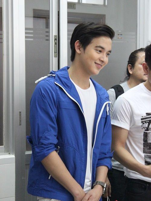 Hotboy Thái james Jirayu thăm trẻ em bệnh tim ở Việt Nam - Ảnh 1