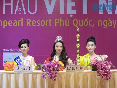 Bố mẹ Hoa hậu Việt Nam 2014 hâm mộ MC Kỳ Duyên nên đặt tên con - Ảnh 1