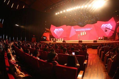 """Hồng Nhung phiêu trong """"Live concert – Đỏ"""" - Ảnh 1"""