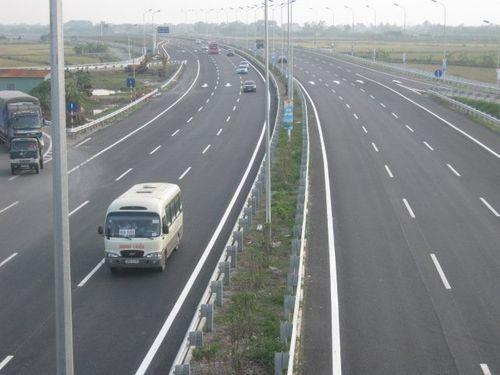 Đề xuất trình Quốc hội duyệt việc làm 1.300 km cao tốc Bắc - Nam - Ảnh 1
