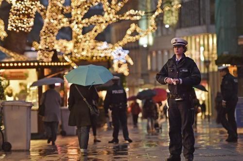 Mỹ cảnh báo về khả năng khủng bố dịp nghỉ lễ cuối năm - Ảnh 1