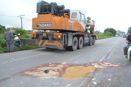 Quảng Ninh: Xe biển xanh đâm chết người qua đường - Ảnh 5