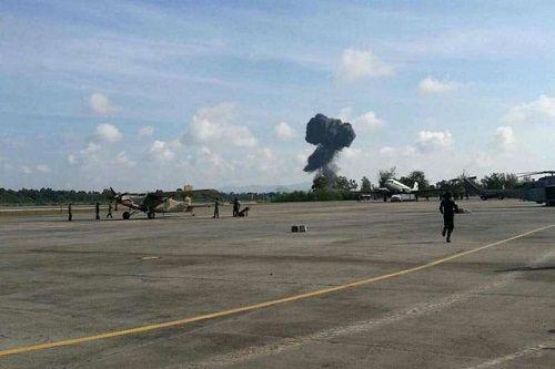 Thái Lan: máy bay chiến đấu rơi khi trình diễn, phi công thiệt mạng - Ảnh 1