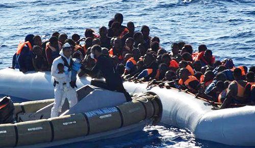 Hơn 220 người di cư chết trên Địa Trung Hải từ đầu năm 2017 đến nay - Ảnh 1