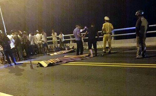 Cú tông trực diện khiến 2 tài xế xe máy tử vong tại chỗ - Ảnh 1