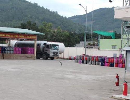 Rò rỉ gas ở bồn chứa trên 30 tấn, 30 hộ dân phải di dời - Ảnh 1