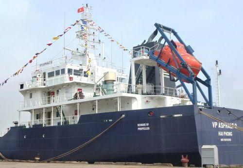 Vụ tàu Việt Nam bị cướp biển: Thuyền viên bị bắn đã tử vong - Ảnh 1