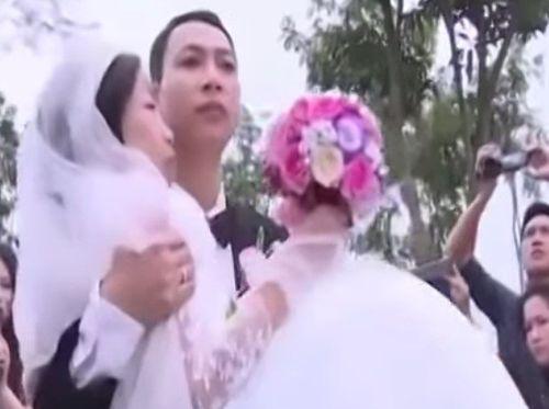 Người chồng trong đám cưới cổ tích đột ngột qua đời - Ảnh 1