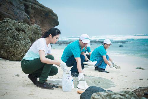 Ngọc Hân kêu gọi bảo vệ môi trường biển đảo tại Lý Sơn - Ảnh 3