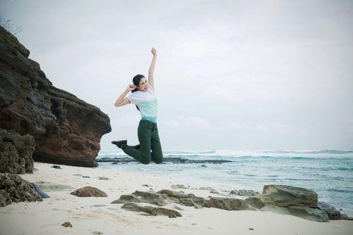 Ngọc Hân kêu gọi bảo vệ môi trường biển đảo tại Lý Sơn - Ảnh 16