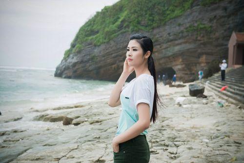 Ngọc Hân kêu gọi bảo vệ môi trường biển đảo tại Lý Sơn - Ảnh 17