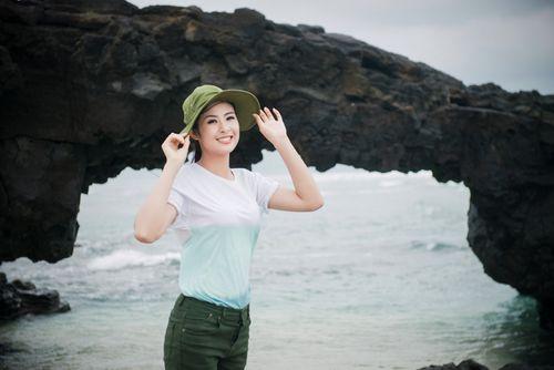 Ngọc Hân kêu gọi bảo vệ môi trường biển đảo tại Lý Sơn - Ảnh 14