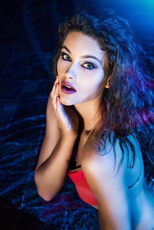 Ngắm nhan sắc lộng lẫy của Hoa hậu thế giới 2014 - Ảnh 8