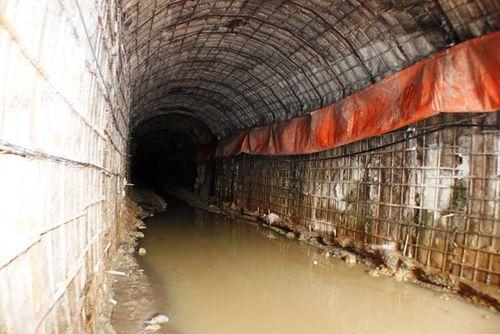 Khung cảnh vắng vẻ của thủy điện Đạ Dâng sau vụ sập hầm - Ảnh 2