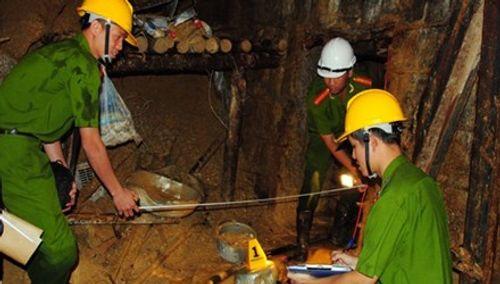 Tiến hành khám nghiệm hiện trường vụ sập hầm thủy điện Đạ Dâng - Ảnh 2