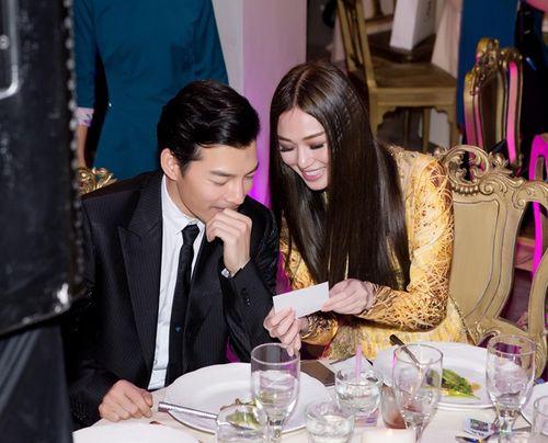 Trần Bảo Sơn và Khánh My từ giữ kẽ đến thân mật tại tiệc từ thiện - Ảnh 6