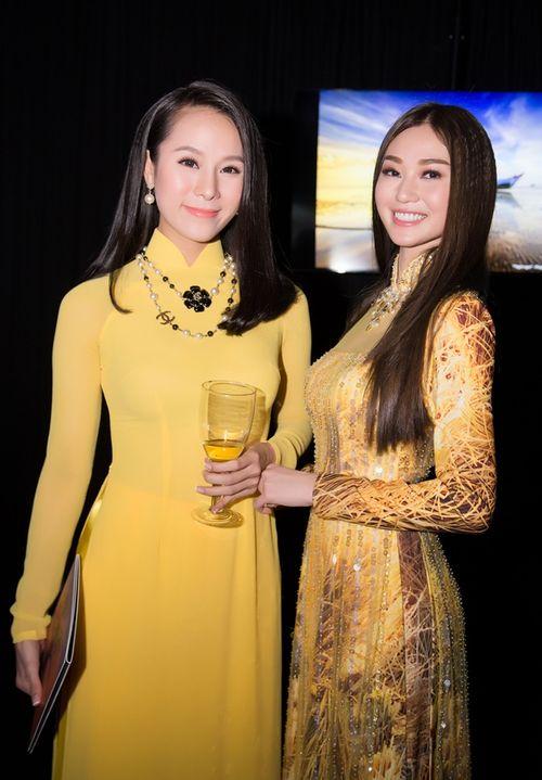 Trần Bảo Sơn và Khánh My từ giữ kẽ đến thân mật tại tiệc từ thiện - Ảnh 12