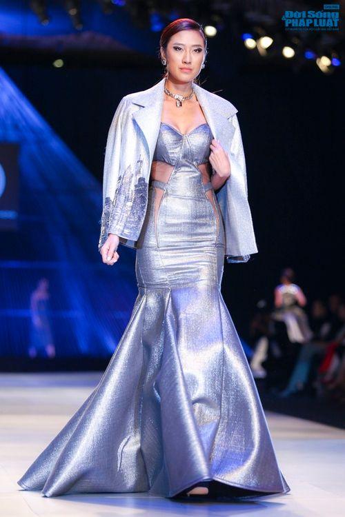 Trúc Diễm hóa miêu nữ xinh đẹp trên sàn catwalk - Ảnh 11