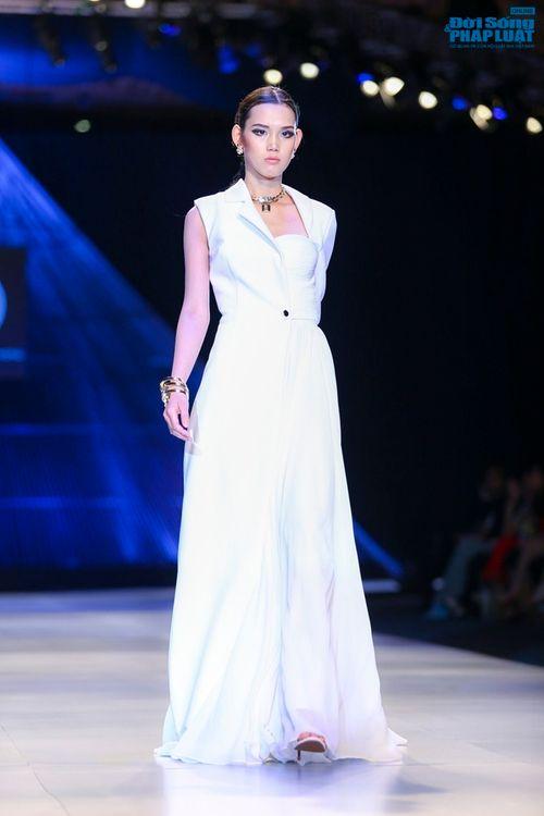 Trúc Diễm hóa miêu nữ xinh đẹp trên sàn catwalk - Ảnh 4