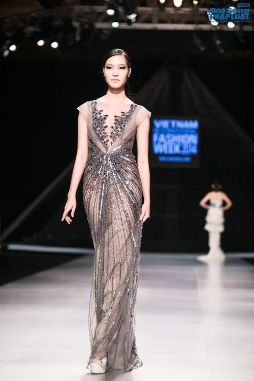 HH Thùy Dung làm nàng thơ trên sàn diễn thời trang của Hoàng Hải - Ảnh 6