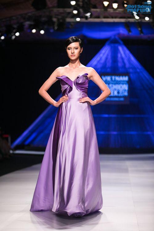 HH Thùy Dung làm nàng thơ trên sàn diễn thời trang của Hoàng Hải - Ảnh 9