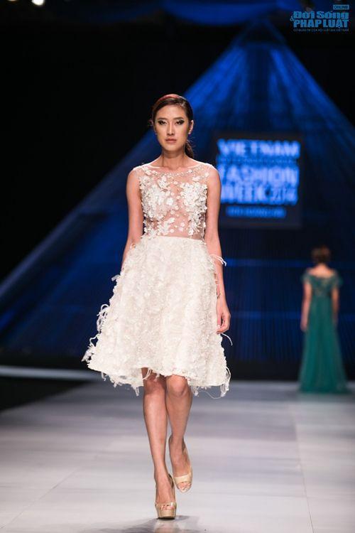 HH Thùy Dung làm nàng thơ trên sàn diễn thời trang của Hoàng Hải - Ảnh 18