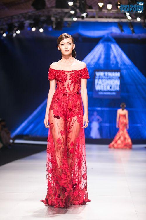 HH Thùy Dung làm nàng thơ trên sàn diễn thời trang của Hoàng Hải - Ảnh 2