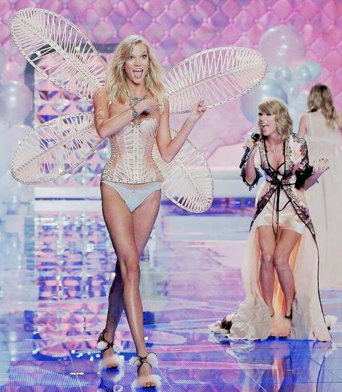 Victoria's Secret Fashion Show 2014:Thiên thần lung linh tỏa sáng - Ảnh 17