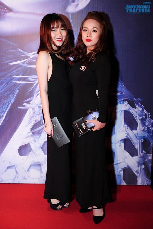 Thảo Trang gợi cảm trên thảm đỏ tuần lễ thời trang Quốc tế - Ảnh 17