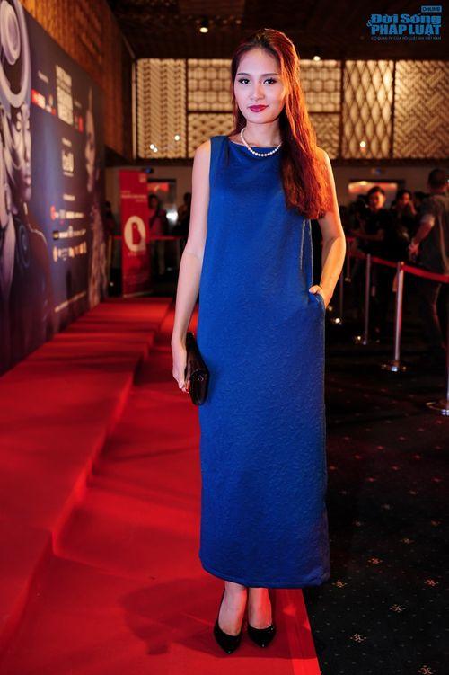 Thảo Trang gợi cảm trên thảm đỏ tuần lễ thời trang Quốc tế - Ảnh 6