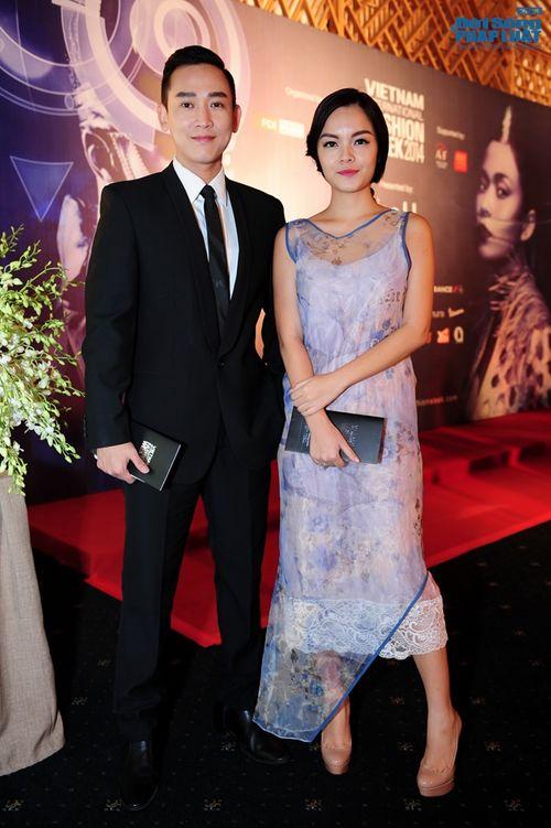 Thảo Trang gợi cảm trên thảm đỏ tuần lễ thời trang Quốc tế - Ảnh 7