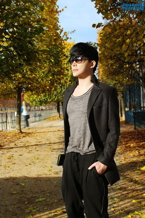 Nathan Lee diện cả cây hàng hiệu dạo phố Paris - Ảnh 3