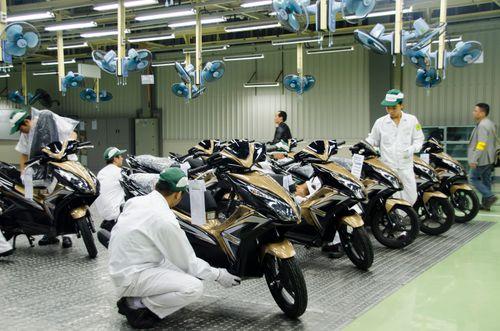Điểm lại những chiếc xe máy bán chạy nhất năm 2014 của các hãng - Ảnh 1