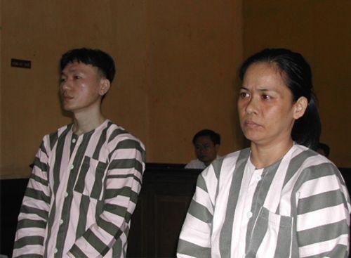 Nhớ lại vụ án đầu độc 13 người của nữ sát thủ thích đi chùa - Ảnh 1