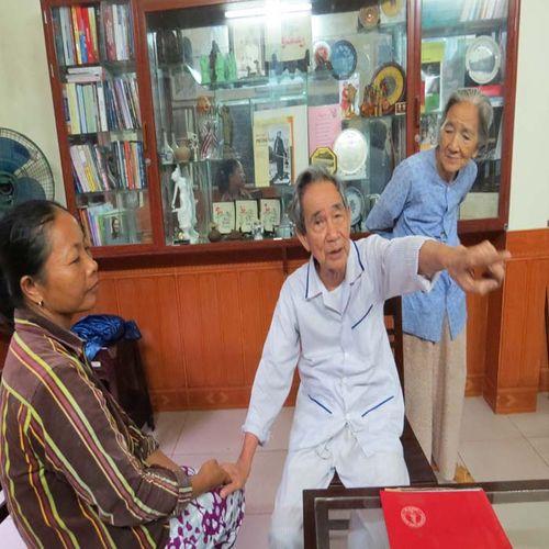 Cảm phục người thầy thuốc 91 tuổi vẫn hành hiệp trượng nghĩa - Ảnh 2