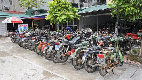 """""""Đột nhập"""" kho xe cổ hàng trăm chiếc tại Hà Nội - Ảnh 2"""