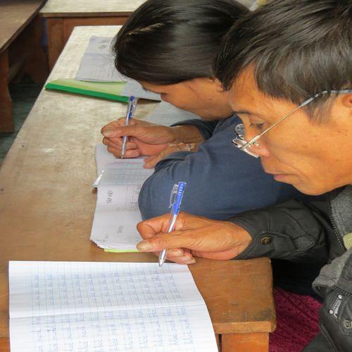 """Làng chài bên phá Tam Giang và lớp học chữ cho những """"bô lão U60"""" - Ảnh 2"""
